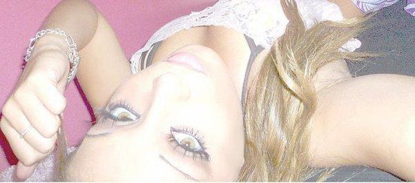 - Personne Ne Connai Réelemen Ma Vie .. ♥ Ces Looin Des Yeux Mes Prés Du Coeur