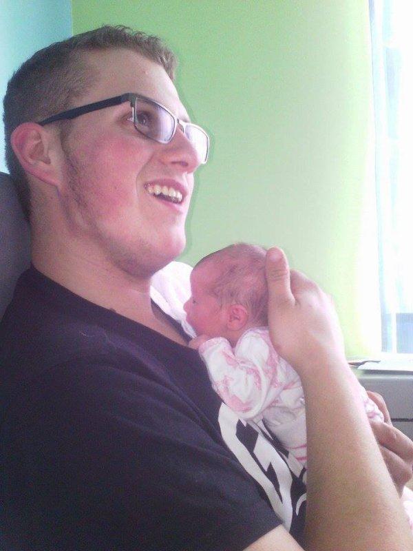 Notre fils Jérome papa de leur petite Emilie , que du bonheurs pour nous tous