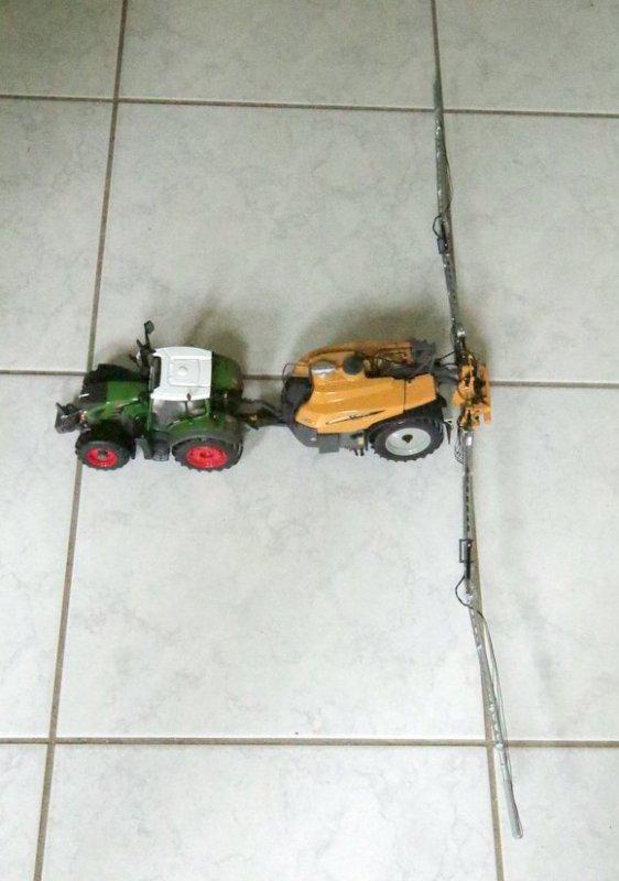Pack FENDT 718 avec pulvérisateur CHALLENGER RoGator 344 - Boite FENDT - 500pcs