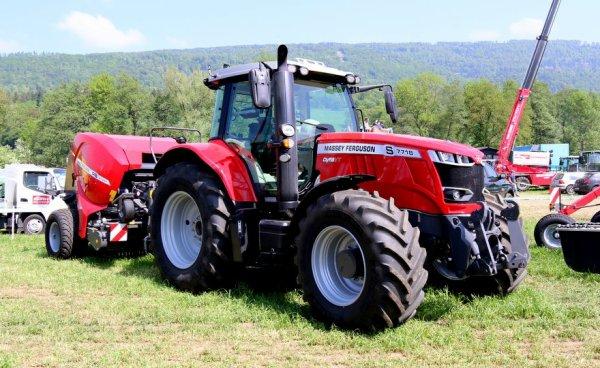 Tracteur Pulling , exposition de matériel agricole à  Develier 2018