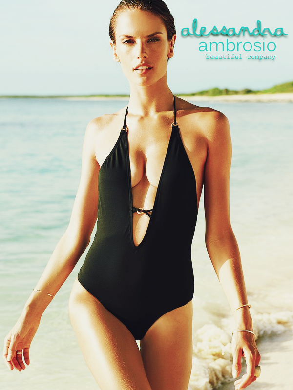 Alessandra Ambrosio pour les maillots Victoria's Secret.