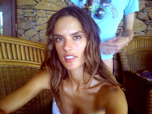 Alessandra est en ce moment à Bora Bora.