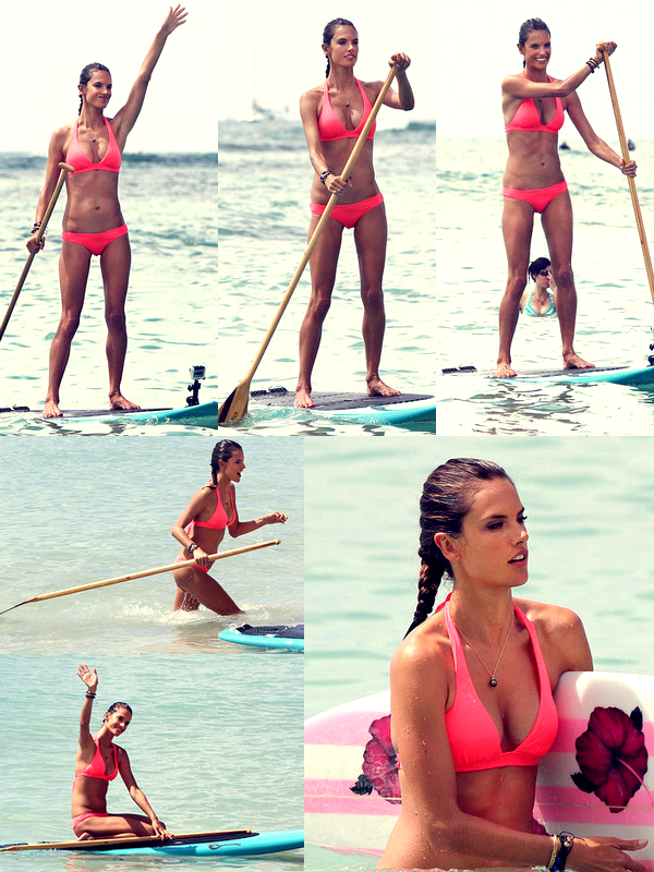 Alessandra surfant à Hawaï, le 10 Octobre.