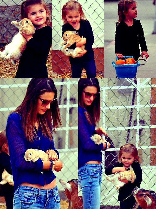 Alessandra et Anja à Los Angeles, le 31 Octobre.