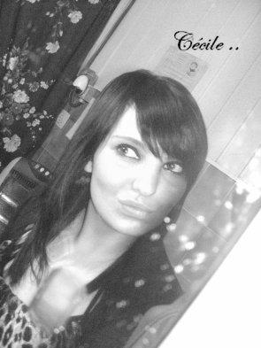 • CécilLe • 18 ans (14.o3) • Liege (46o1) • En Couple <3