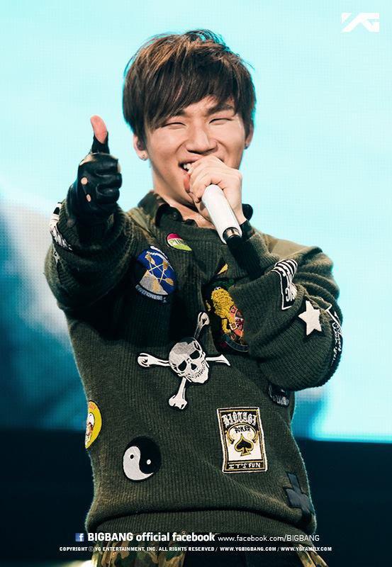 Joyeux Anniversaire Dae Sung ( D-Lite)
