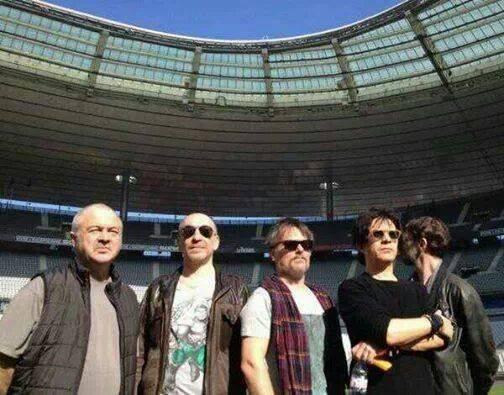 Le groupe au stade