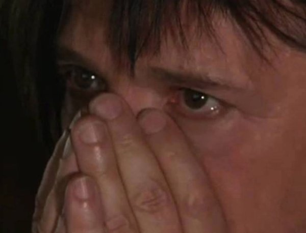 Nicola ému aux larmes quand il découvre les déclarations d'amour des Indofans!!  <3