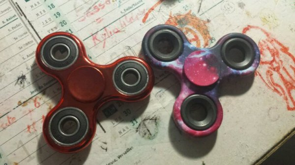MES HANDS SPINNERS DONT ENFIN LA OWO