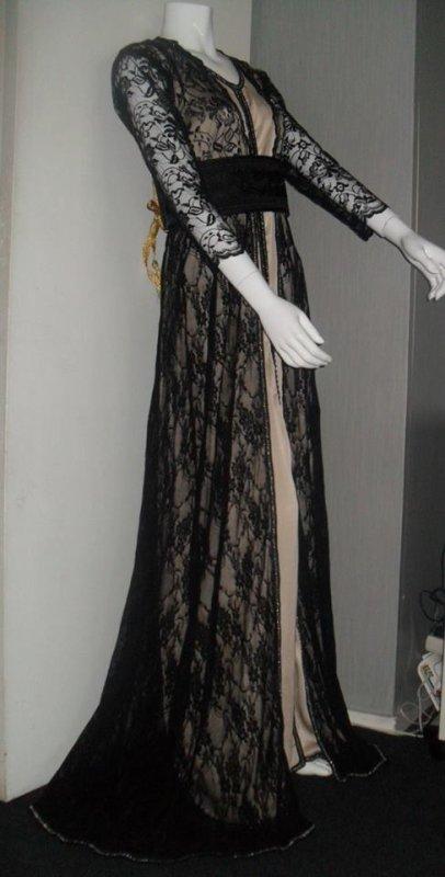 Robe Noire dentelle et beige