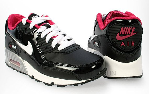 Nike Air Max 90 GS – Black – White – Voltage Cherry – Metallic Silver