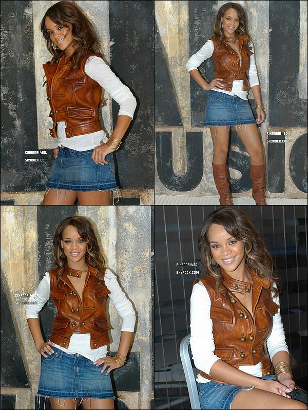 En 2005, Rihanna a 17 ans