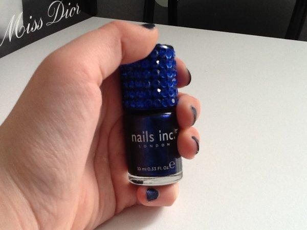 Verni nails inc bleu électrique