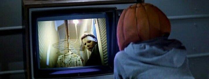 Saga Halloween : l'auto-référence par le biais de la télévision