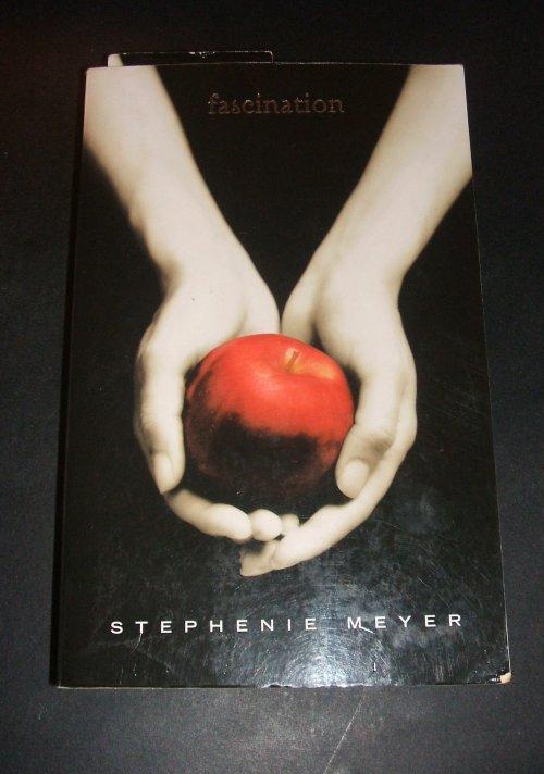 "Livre "" Fascination"" par Stephenie Meyer"