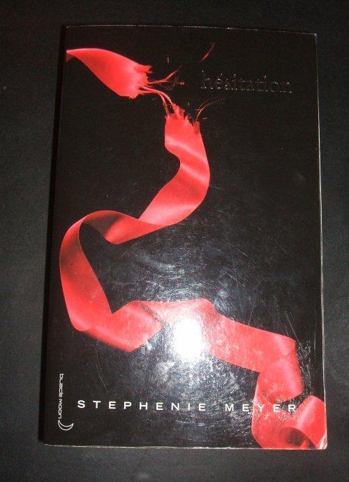 "Livre "" Hésitation"" par Stephenie Meyer"