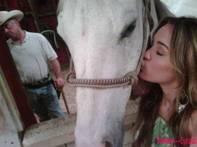 Miley and its horse
