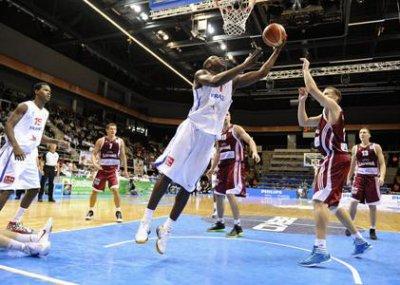 Basket Masculin. Euro 2011.  La poule de la france en 1er tour.