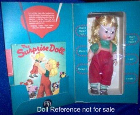 la poupée surprise!
