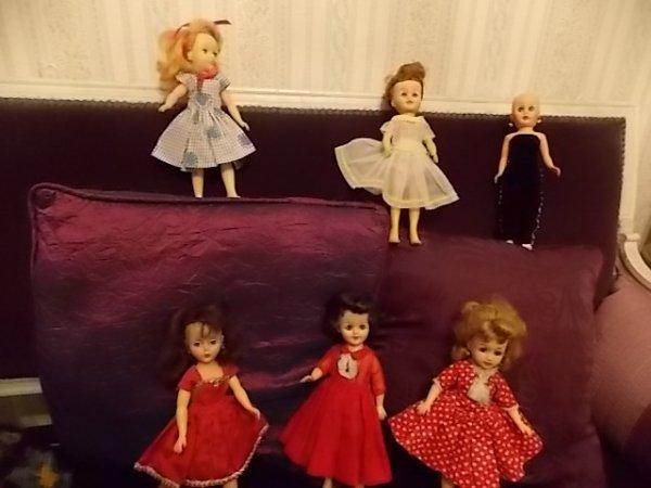 miss revlon et les poupées haut talons!