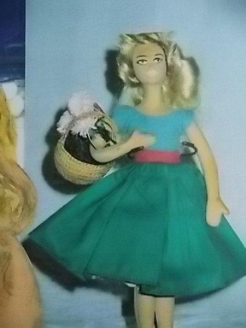 et une poupée brigitte bardot! eh oui