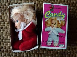 elle etait sensée representer candy! bon c'est pas probéant!! la brune c'est annie la copine de candy
