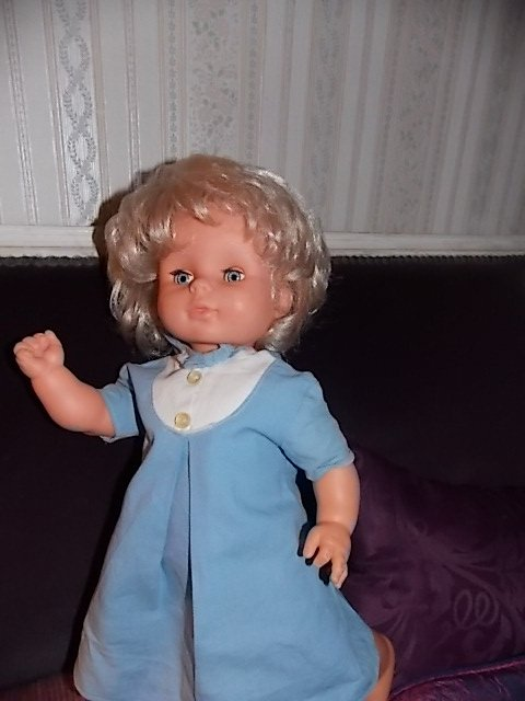 une rare poupée assez particulière