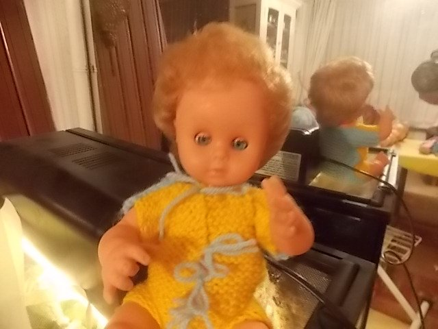 un bébé gégé pas plus grand que bambino