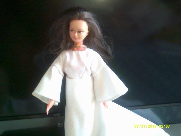 ma trouvaille du jour! une seule poupée mais quellle poupée