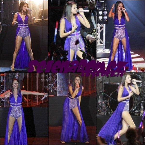 15/02/12 : Selena au Brésil ♥
