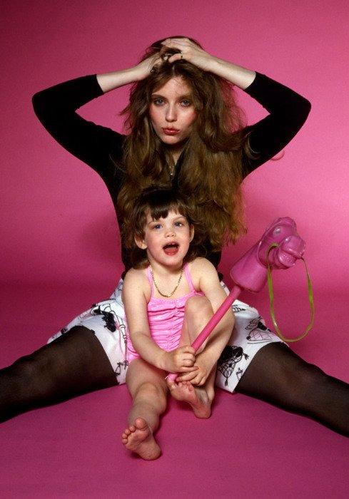« Les enfants commencent par aimer leurs parents ; devenus grands, ils les jugent ; quelquefois, ils leur pardonnent.  »