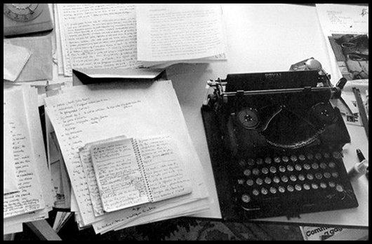 """""""L'écriture, toute écriture, reste une audace et un courage. Et représente un énorme travail."""" - Michèle Mailhot"""