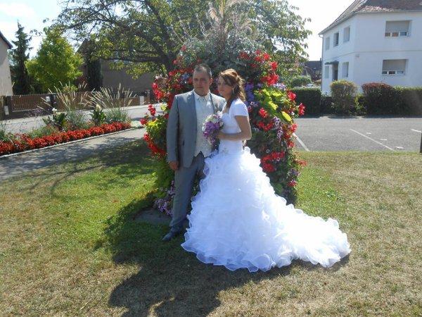 POUR LES MARIES ET LEUR FILLE D AMOUR,,,,,,