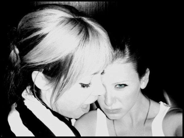 L'amitié double les joies et réduit de moitié les peines. ♥