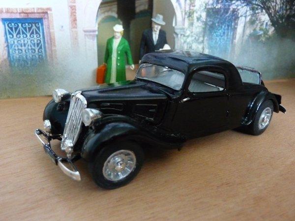 1938 CITROËN 11BL COUPE SPEADER  - modèle d'usine - Matchbox 1:32  -