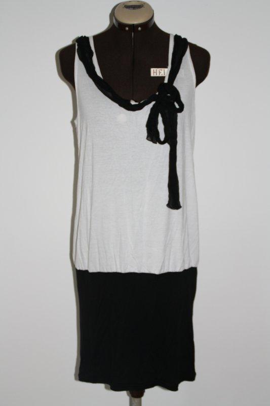 Robe tunique blanche et noire
