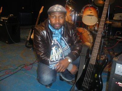 jacko avec sa bass