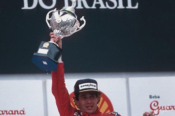Bonne anniversaire Ayrton-Senna-onboard