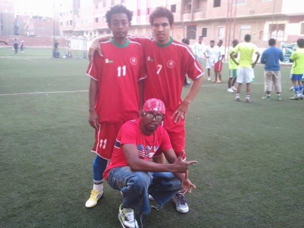 Moi et mes amis de Madagarscar cette journée c'est etais la fête  de l'Independance Madagascar , on etaient ensembles sur la competiton
