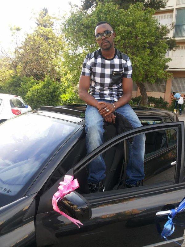 entre dans muse dans ma voiture , jour du mariage de ma grand seour chez loi a Marseille france