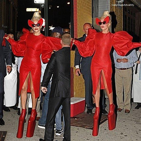 Vien suivre l'actualité de notre belle Femme Monster sur, LadyGagaActuallity.skyrock.com ta source n°1 de Lady Gaga
