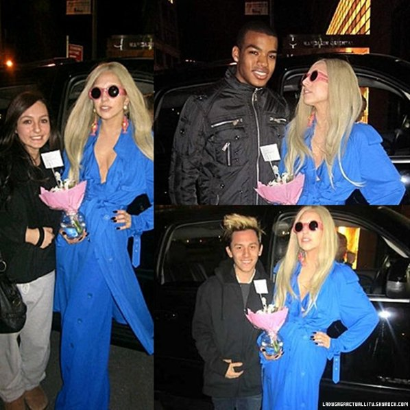 . 13 MARS 2011 : Gaga se rendait au « Round Up Saloon », un bar gay à Dallas.Quelques photos on était publier, de bonne qualités cette fois.A cette date, nous n'avions pas eu de bonne photos, elle n'ont était publier qu'ajourd'hui sur les sites. .