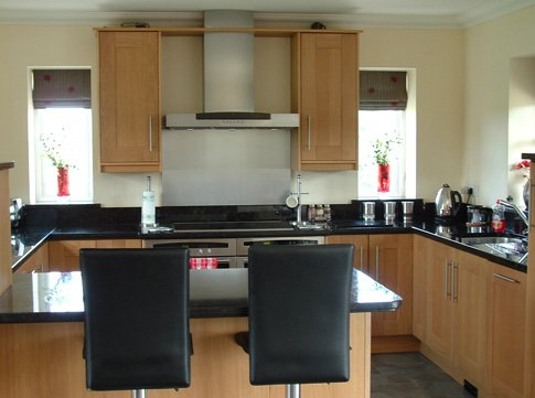 Kitchen Design in Essex: Implement the latest Designs for your Kitchen