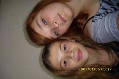 Ma petite soeur et moi (photo qui date d'au moins 3 ans)