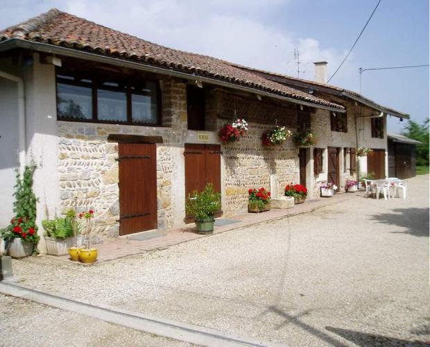 une belle façade digne de nos fermes de Bresse