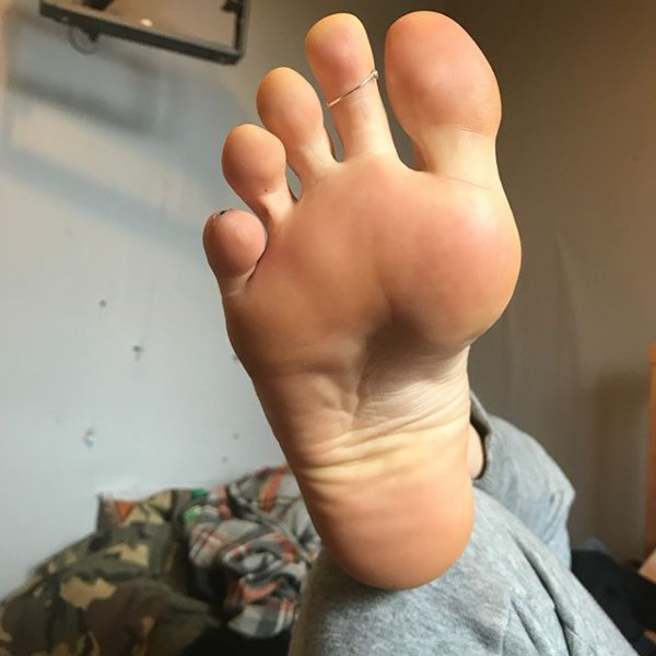 feet_from_me
