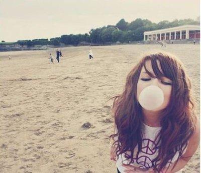 N'attends pas d'être heureux pour sourire, souris afin de le devenir =)