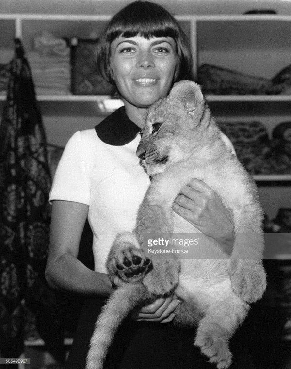 Mireille Mathieu et le lionceau Scipion