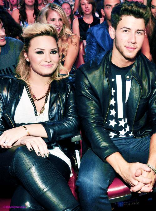 Nick Jonas et Demi Lovato <333