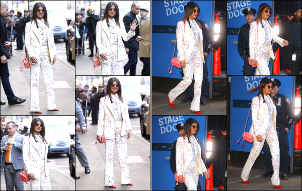 06/02/19 : Priyanka Chopra arrivait puis quittait « Good Morning America », à New York (NY). Priyanka avait une tenue clair avec des motifs floraux ! Ça lui va bien !